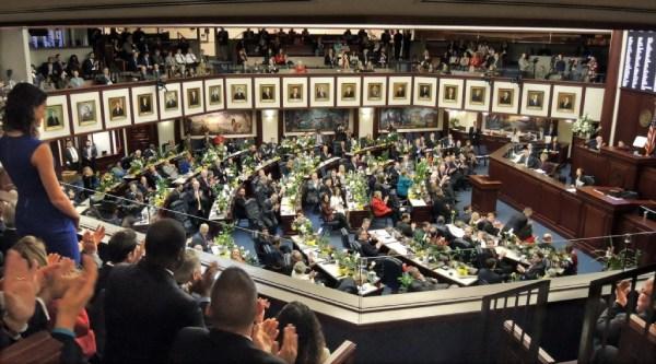 佛州立法機關召集特別會議通過體彩合法